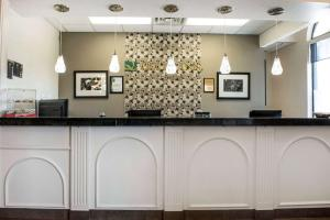 The lobby or reception area at Quality Inn Festus