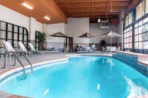 The swimming pool at or near Quality Inn Festus