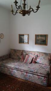 Ein Sitzbereich in der Unterkunft Ferienwohnungen Dr. Neubert