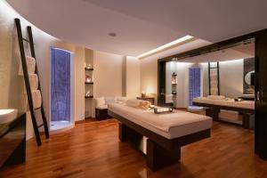 A bathroom at Elysium Resort & Spa