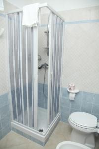 A bathroom at Residence Hotel La Pelosetta