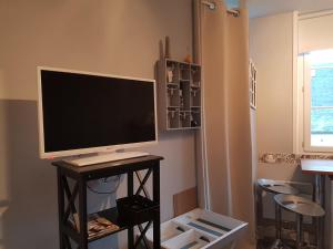 A television and/or entertainment centre at Home St. Germain