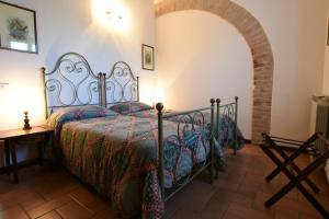 Ein Bett oder Betten in einem Zimmer der Unterkunft Miralduolo