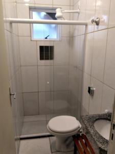 Um banheiro em Marlin Hostel Ilha Grande