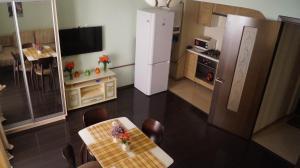 Телевизор и/или развлекательный центр в Apartamienty na Lienina 55