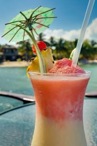 Drinks at Robert's Grove Beach Resort