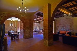 A restaurant or other place to eat at Villanovia Country House