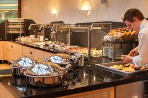 A restaurant or other place to eat at Albtalblick Ihr Wellness- & Wanderhotel
