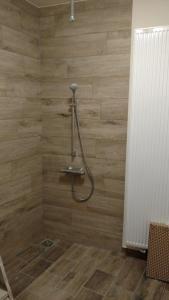 A bathroom at Hotel Ladeuze