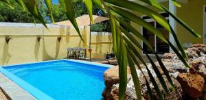 Het zwembad bij of vlak bij Colosseo Apartments