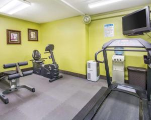 The fitness center and/or fitness facilities at Quality Inn Prattville I-65