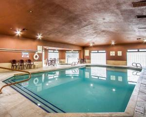 The swimming pool at or near Comfort Inn Near Grand Canyon