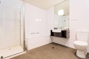 Ванная комната в Mantra Melbourne Melton