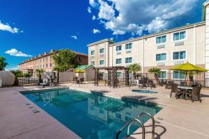 The swimming pool at or near Comfort Inn Tucson