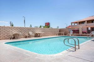The swimming pool at or near Econo Lodge Inn & Suites near China Lake Naval Station