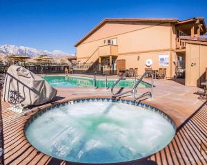 The swimming pool at or near Quality Inn Lone Pine near Mount Whitney