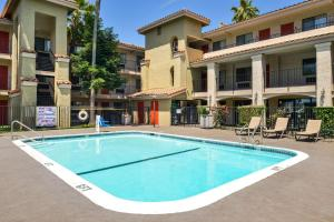 The swimming pool at or near Comfort Inn & Suites Rancho Cordova-Sacramento
