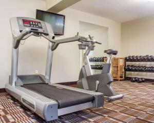 The fitness center and/or fitness facilities at Comfort Inn Burlington