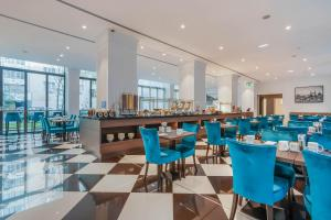 A restaurant or other place to eat at Eurostars Danube Budapest