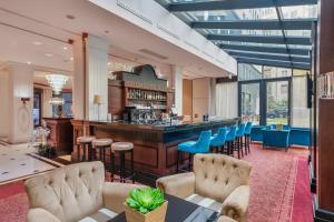 The lounge or bar area at Eurostars Danube Budapest