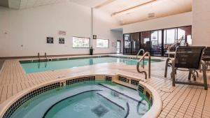 The swimming pool at or near Best Western Plus Great Northern Inn