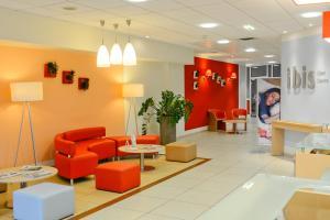 Hall o reception di ibis Caen Centre