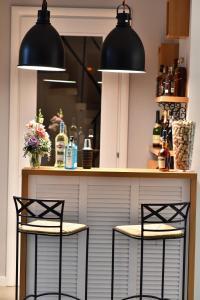 The lounge or bar area at Villa Lanterna