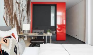 Ein Sitzbereich in der Unterkunft Living Hotel Frankfurt