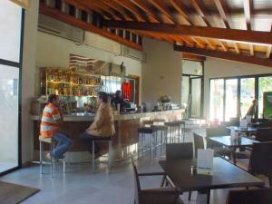 Un restaurante o sitio para comer en El Mirador de las Monjas