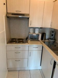 A kitchen or kitchenette at Studio Mare Nostrum