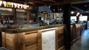 The lounge or bar area at Chalet Hotel La Croix Blanche