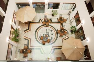 The floor plan of Hotel Santa Cruz