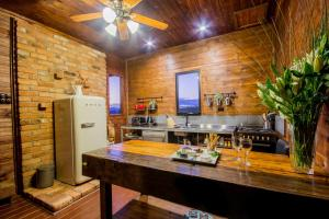 A kitchen or kitchenette at Blaxland's Cottage