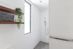 A bathroom at Dogwood