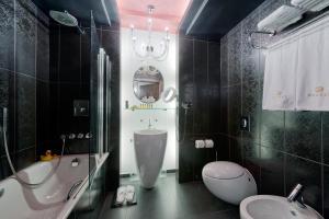 A bathroom at Hotel Wentzl