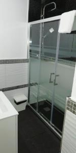 A bathroom at Apartamentos Sol Mayor