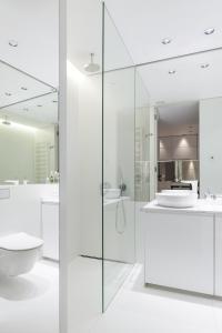 A bathroom at Andersia Park