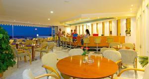 Εστιατόριο ή άλλο μέρος για φαγητό στο Bomo Rethymno Mare Royal & Water Park
