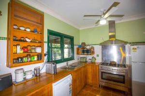 A kitchen or kitchenette at Red Tractor Retreat