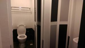 A bathroom at Wassup Youth Hostel