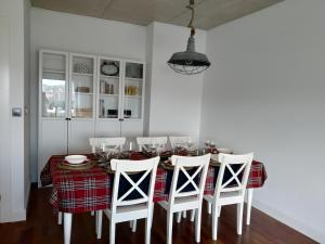 A restaurant or other place to eat at PISO 9 EN LA PLAZA DE ESPAÑA. CENTRO DE CARTAGENA