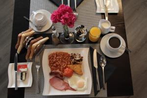 Breakfast options available to guests at Diss by Verve