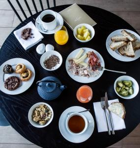 Breakfast options available to guests at Hotel Louvre Lens - Esprit de France