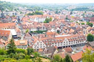 Blick auf Michel Hotel Heppenheim aus der Vogelperspektive