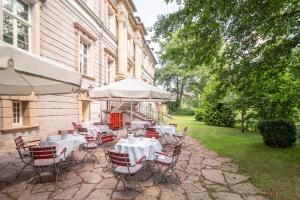 Ein Restaurant oder anderes Speiselokal in der Unterkunft Hotel Schloss Neustadt-Glewe