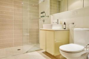 A bathroom at Inmark Tower