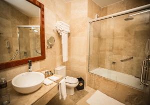 Salle de bains dans l'établissement Sumaq Machu Picchu Hotel