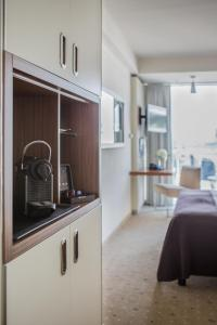 A kitchen or kitchenette at Pullman Dresden Newa