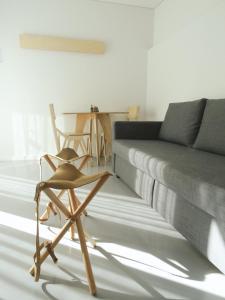 A seating area at I Loft Porto