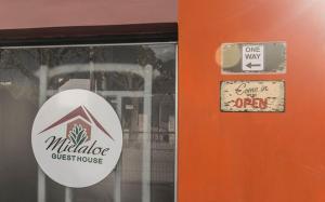 Un certificado, premio, cartel u otro documento en Guest House Mielaloe